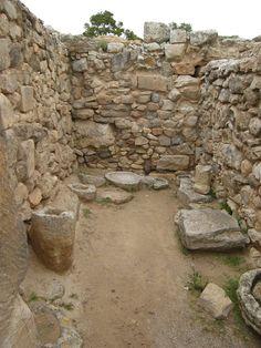 Phaestos Rooms Minoan Crete