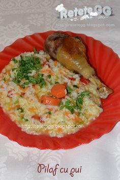 Retete gustoase si garnisite: Pilaf cu pui (de tara) Romanian Food, Romanian Recipes, Soul Food, Risotto, Food To Make, Food And Drink, Chicken, Dinner, Cooking