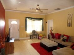 Pedro Villa - Residential Property For sale in the Cayman Islands. Very nicely maintained 3bed/2bath home, fully fenced-in with a large deck on approximately 1/4 acre lot.