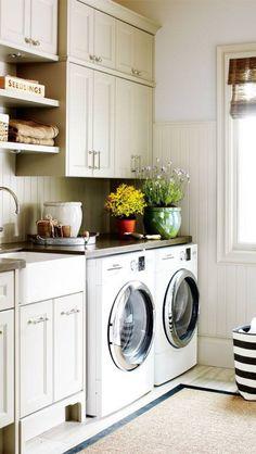 I need this laundry room!!
