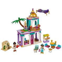 With a small marketplace, Cave of Wonders, palace and a flying carpet, this Aladdin and Jasmine's Palace Adventures Playset by LEGO will allow fans of the beloved Disney movie to relive the magic over and over again. Aladdin Play, Disney Aladdin, Aladdin Movie, Disney Films, Lego Disney Princess, Disney Princesses, Aladdin Et Jasmine, Disney Princess Jasmine, Lego Clones