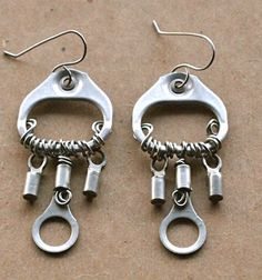 Upcycled pull tab earrings by Junksmith Recycled Jewelry, Handmade Jewelry, Can Tab Crafts, Diy Crafts, Pop Tabs, Industrial Chic, Beads And Wire, Designer Earrings, Beaded Earrings