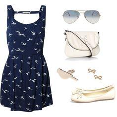 Zomers outfit: Donkerblauw jurkje, zonnebril, handtas, ballerina's en oorringen...