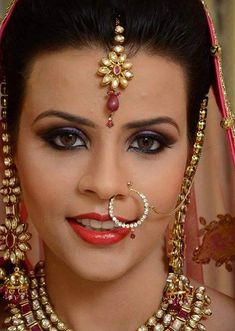 These 15 are the most popular bridal makeup artists trending now in Delhi. Book your favorite makeup artist for your special wedding day. Best Bridal Makeup, Freelance Makeup Artist, Makeup Needs, London College Of Fashion, Braut Make-up, Bride Look, How To Apply Makeup, Flawless Skin, Bride Hairstyles