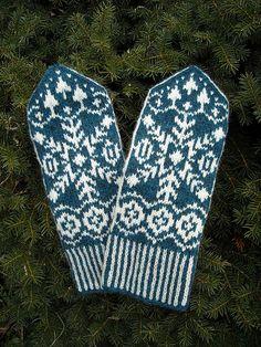 Ravelry: Elisabeth pattern by Solveig Larsson Fair Isle Knitting, Lace Knitting, Knitting Socks, Knit Crochet, Knitting Patterns, Crochet Patterns, Knitted Mittens Pattern, Knit Mittens, Knitted Gloves