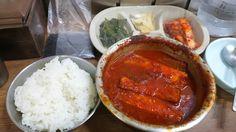 嬉楽食堂@ソウル南大門市場。すごーく久しぶりに食べたヒラクのカルチチョリム(タチウオの煮付け)。好きだなー、ここの辛さ&甘さ。味が濃くて、ご飯がいくらでも入る。通常、二人前8,000Wだけど、一人でも昼時を少し外せば入れる。ただし、7,000Wと割高。