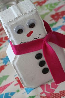 Garden Brick Snowman {And Other Craft Class Fun} - Delicate Construction Christmas Projects, Holiday Crafts, Christmas Holidays, Christmas Decorations, Christmas Ideas, Christmas Garden, Xmas, Christmas Wood, Primitive Christmas