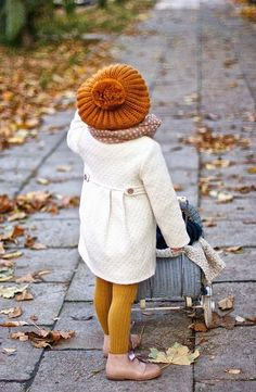 Ideas for autumn / winter layering toddler girl clothes. To do: Tam O & # Shanter Bon … Ideas for fall/winter layering toddler girl clothing. To make: Tam O'Shanter bonnet - Unique Baby Outfits Little Girl Fashion, Toddler Fashion, Kids Fashion, Fall Fashion, Newborn Fashion, Crazy Fashion, Style Fashion, Womens Fashion, Retro Fashion