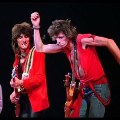 Ronnie Wood and Keith Richards Rock And Roll Bands, Rock Bands, Rock N Roll, Metal Bands, Los Rolling Stones, Rollin Stones, Ron Woods, Ronnie Wood, King Richard