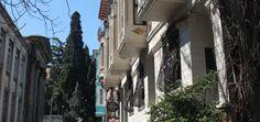Bir yanında Cibali, diğer yanında Balat'ın bulunduğu semtin en önemli özelliği, Ortodoks mezhebinin merkezi konumundaki İstanbul Patrikhanesi'nin 1601 yılından bu yana burada Ayios Yeoryios (Aya Yorgi) Kilisesi'ne yerleşmiş olmasıdır. Balat ve Fener hakkında daha çok bilgi için: http://biryervarki.com/gorunmesi-gereken-fener-ve-balat/