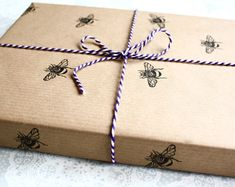 Bumble bee wrapping paper | Gift wrap sheet | Insect prints | Brown paper | Birthdays | Handmade gift wrap | Lino print | Honey bee |