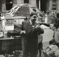 Fats Waller grabbing a snack in Harlem, 1937. Photo: Time Life Pictures