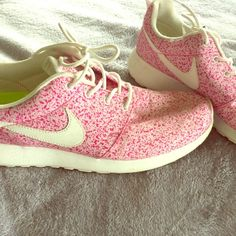 Nike Roshe Run Sail Pink Gently used, comfy everyday casual shoe Nike Shoes Sneakers
