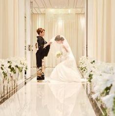 母親とのヴェールダウンシーンも、感動の瞬間 Wedding Photo Images, Wedding Bride, Wedding Dresses, Photo Ideas, Brides, Smile, Weddings, Bride Dresses, Shots Ideas