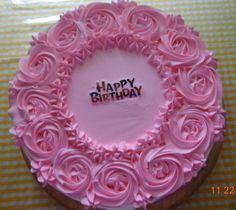 pastel 3 leches decorados con rosas de chantilly