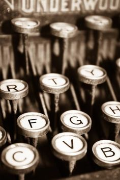 Someday I want to write an entire novel with a typewriter...  I should learn how to finish novels and buy a typewriter. :-P