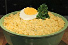 Ez a tojáskrém recept egyszerű és kiváló megoldás bármilyen alkalomra, szendvicsekre. A tojássaláta elkészítése rendkívül egyszerű és nagyon finom!