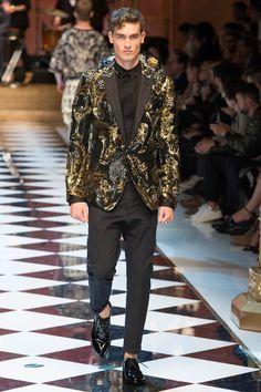 Trendy Fashion Week Looks Dolce & Gabbana Ideas Fashion 2017, Trendy Fashion, High Fashion, Winter Fashion, Fashion Show, Mens Fashion, Fashion Outfits, Fashion Tips, Milan Fashion