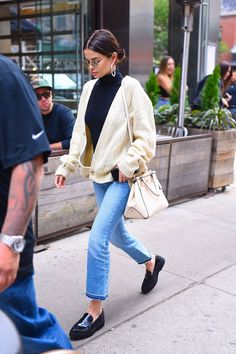 September 29, 2017 Selena Gomez out in NYC with large hoop earrings