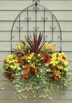 Metal trellis flower planter