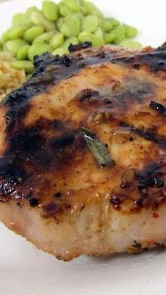 Italian Grilled Pork Chops : 4 pork chops thick) 2 cups Italian salad dressing, divided 3 Tbsp balsamic vinegar 1 Tbsp Worcestershire sauce 2 Tbsp Honey 1 sprig fresh rosemary (or 1 tsp dried rosemary) tsp black pepper Bbq Pork Ribs, Pork Ham, Grilled Pork Chops, Grilled Meat, Pork Rib Recipes, Grilling Recipes, Meat Recipes, Cooking Recipes, Pork
