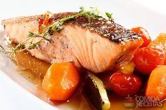 Receita de Salmão laqueado com mel e vinagre balsâmico em receitas de peixes, veja essa e outras receitas aqui!