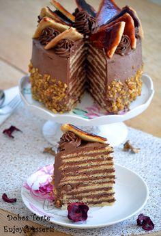 Tort Dobos - Dobos Torte Best Dessert Recipes, Fun Desserts, Delicious Desserts, Cake Recipes, Food Cakes, Cupcake Cakes, Cupcakes, Sacher Torte Recipe, Romanian Desserts