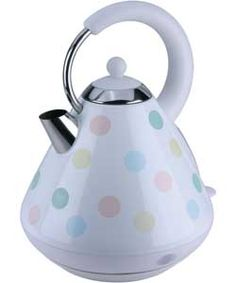 The KitchenOriginals Classic Pastel Spot Kettle is hand printed with a contemporary polka dot design. Drawing influence from the traditional styles of a vintage kitchen and combining this design with on-trend colour palettes, this unique appliance is made from high quality stainless steel with a powerful fast boil heating element.