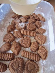Pracny nejsou pracný - brydova.cz Christmas Cookies, Almond, Treats, Food, Xmas Cookies, Sweet Like Candy, Goodies, Eten, Almond Joy