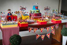 Super Heroes party table/ Mesa de festa Os Vingadores