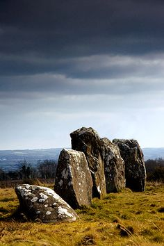 Shantemon or 'Finn McCool's Fingers', Co. Cavan, Ireland (photo by Ken Williams)