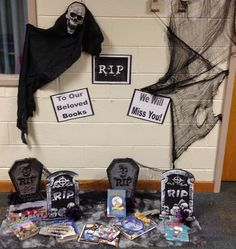 What a great display for displaying damaged books!