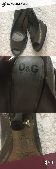 Authentic Dolce & Gabbana peep toe Authentic Dolce & Gabbana peep toe heels. Beautiful bright gray patent leather. Size 37 . 4.0-4.5 inch heels. Dolce & Gabbana Shoes Heels