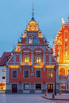 Bezoek jij straks kleurrijk Riga tijdens deze geweldige City Trip 💛💙💜💚 Je zult je ogen uitkijken in deze prachtige stad! https://ticketspy.nl/deals/3-daagse-city-trip-kleurrijk-riga-va-e90/