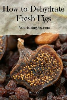 How to Dehydrate Fresh Figs How to Dehydrate Fresh Figs - Nourishing Joy<br> Fresh figs are absolutely swoon-worthy. But how to save all that sweet succulence? Here's a quick tutorial on how to dehydrate fresh figs. Real Food Recipes, Yummy Food, Fig Recipes Healthy, Drink Recipes, Dried Fig Recipes, Smoothie Recipes, Dried Figs, Dried Fruit, Sweets