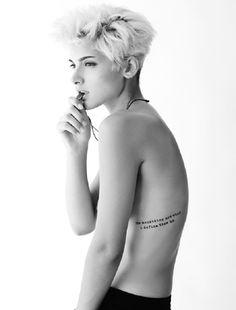 Amanda Viola - loving her tattoo placement, very sexy. #model #tattoo