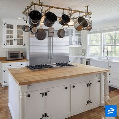 Introducing the farmhouse-style kitchen of your dreams.
