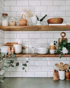 Farmhouse Kitchen Ideas Stunning Farmhouse Kitchen Decor Ideas If you're bored at home and think you might want to restyle your open shelving this is how you should to it. Earthy Kitchen, Minimal Kitchen, Boho Kitchen, Farmhouse Kitchen Decor, Home Decor Kitchen, Kitchen Styling, Kitchen Design, Kitchen Ideas, Kitchen Reno