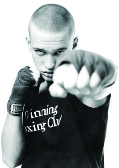 20-Minute Boxing Workout to Burn Fat and Build Muscle Kick Boxing, Boxing Training, Boxing Workout, Boxing Fitness, Burn Fat Build Muscle, Le Champion, Cardio Kickboxing, Aerobics Workout, Fat Burning Workout