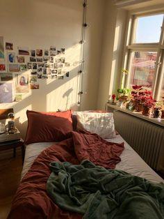 Room Ideas Bedroom, Bedroom Decor, Bedroom Wall, Uni Bedroom, Master Bedroom, Bedroom Night, Bedroom Ceiling, Bedroom Storage, Master Suite