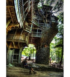 The World's Biggest Tree House by Horace Burgess [CJWHO]  Fight to reopen world's tallest tree house inspired by minister's divine vision after it was SHUT DOWN for being a fire hazard [Mail Online]