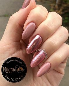 Nail art Christmas - the festive spirit on the nails. Over 70 creative ideas and tutorials - My Nails Hot Nails, Pink Nails, Hair And Nails, Uñas Fashion, Chrome Nails, Nagel Gel, Perfect Nails, French Nails, Nail Inspo