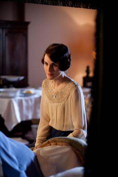 Michelle Dockery as Lady Mary in Downton Abbey (2012).