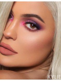 #EyeMakeupGlitter Makeup Trends, Makeup Inspo, Makeup Inspiration, Makeup Tips, Beauty Makeup, Makeup Ideas, Exotic Makeup, Fun Makeup, Runway Makeup