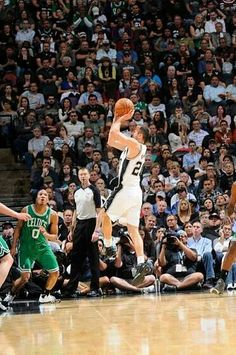 Ginobili Manu Ginobili, Basketball Legends, San Antonio Spurs, The Man, Sports, Hs Sports, Sport