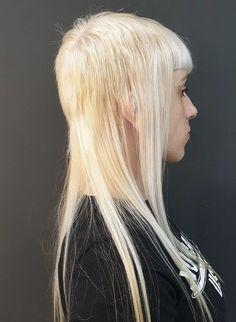 Modern Mullet, Skinhead Girl, Bald Women, Mullets, Girl Power, Chelsea, Wigs, Hair Cuts, Long Hair Styles