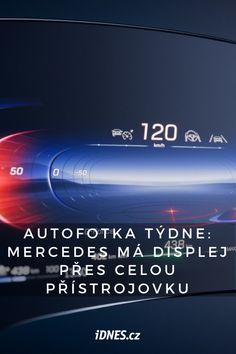 Německý automobilový koncern Daimler představil nový displej Hyperscreen, který pokryje téměř celou palubní desku luxusních mercedesů.