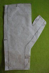 Mitaines: le tuto - Au tableau ! - #au #le #Mitaines #Tableau #tuto Sewing Hacks, Sewing Tutorials, Sewing Projects, Dress Tutorials, Dress Sewing Patterns, Clothing Patterns, Fabric Sewing, Skirt Patterns, Blouse Patterns
