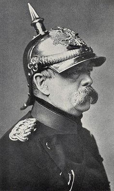In December the Emperor Wilhelm II visited Bismarck for the last time. Bismarck again warned him about the dangers of improvising government policy based on the intrigues of courtiers and. World War One, First World, History Of Germany, Otto Von Bismarck, Wilhelm Ii, Historia Universal, Military History, World History, Historical Photos