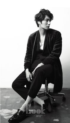 Jung Il Woo.. sigh asian men and their moody style